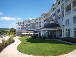 Luxury lakefront accommodations