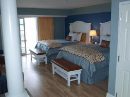 Beautiful lakefront accommodations at the Harbor Hotel